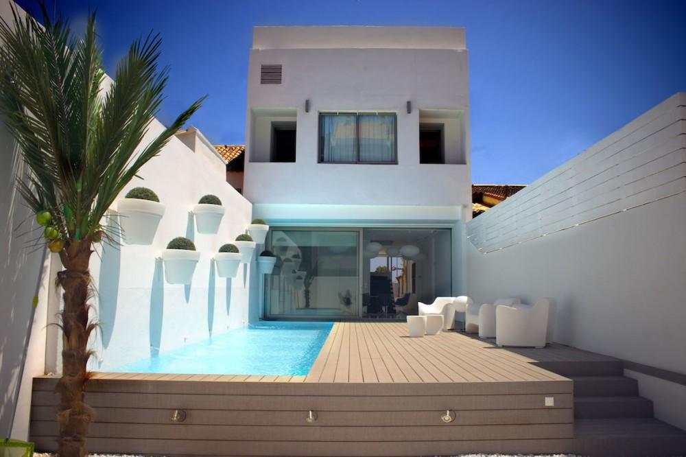 Villa de estilo moderno en la playa de Valencia.