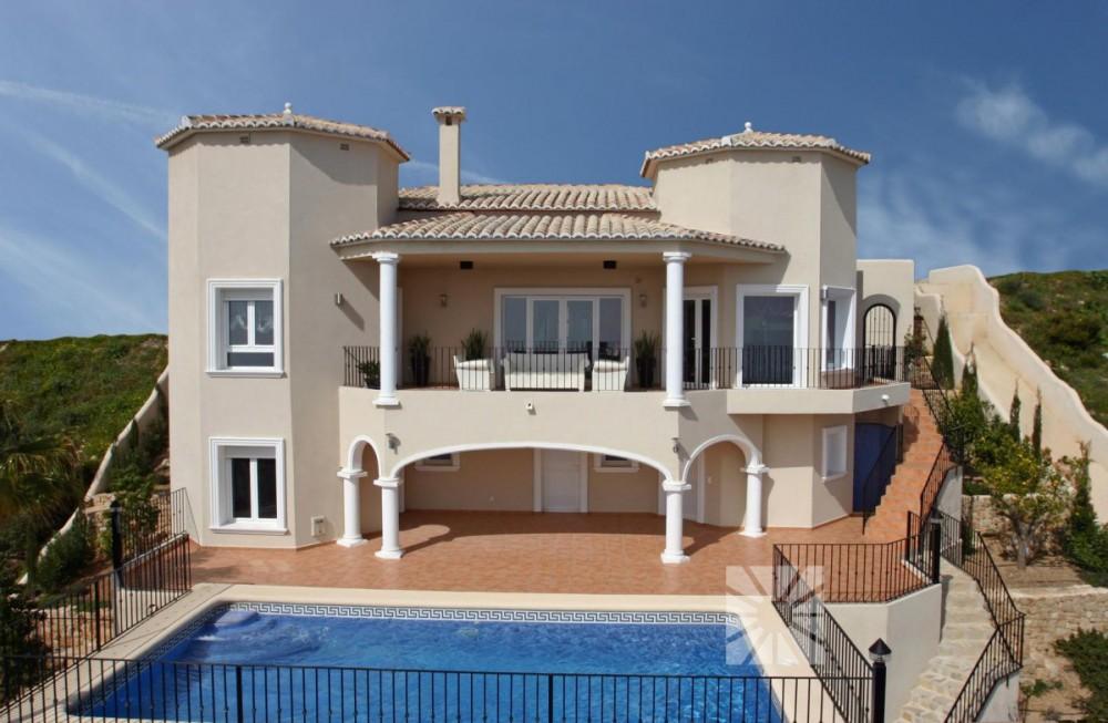 Nueva villa en Cumbre del Sol (Alicante)