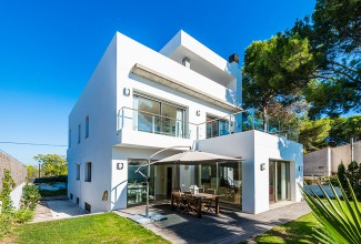 Modern style Villa in the urbanisation of Campolivar (Valencia).