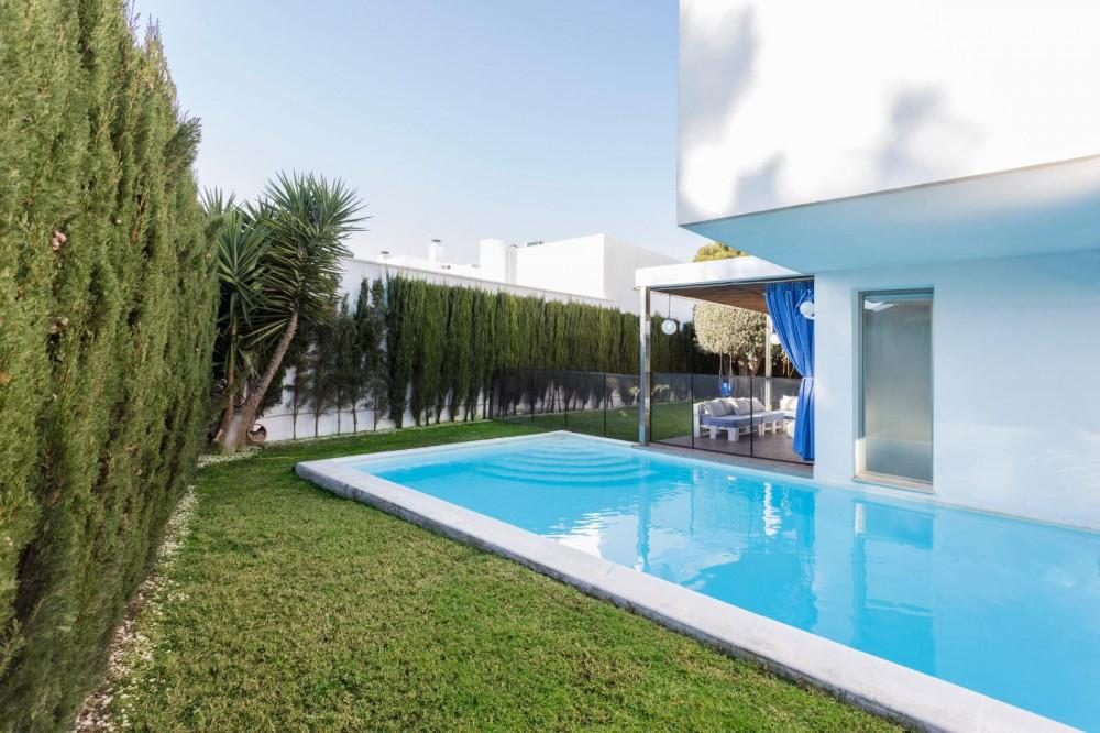 Villa de lujo de nueva construcción en La Cañada (Valencia).